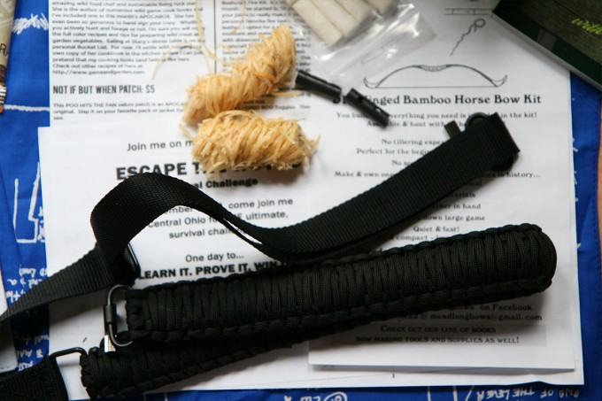 65 feet of 280 lb test paracord in a sling with swivels.